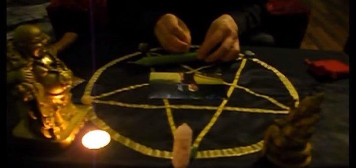 как правильно сделать приворот паука