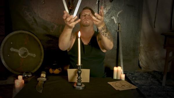 магический ритуал со свечой