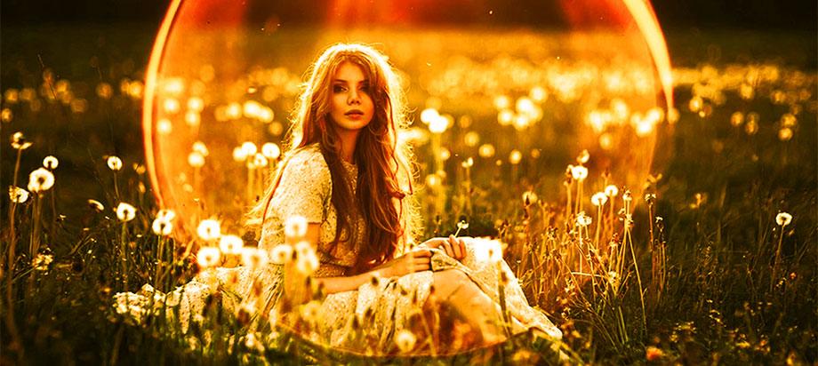 девушка в поле